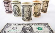 Экономист предсказал крах доллара в 2021 году