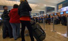 Обвал рубля отразился на стоимости авиабилетов: зарубежные перелеты подорожают
