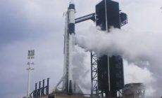 Старт пилотируемого космического корабля Crew Dragon отменен из-за погоды
