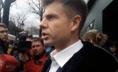 Соратнику Порошенко заткнули рот медицинской маской на заседании Рады