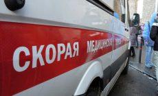 Рабочий погиб в Москве, упав с мусоровоза