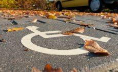 Водителям-инвалидам хотят дать свободу в выборе места на парковке