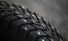 Проблемная зимняя резина: правила использования шипованных шин в России не изменятся