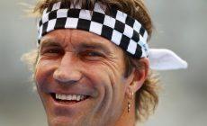 Пэт Кэш – теннисный рок-н-рольщик. Говорил, что проигрывал из-за гонореи, а его клетчатую бандану надели даже на статую