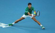 Современные теннисисты ловкие, как гимнасты: удары из полушпагата и скольжение на харде для них норма