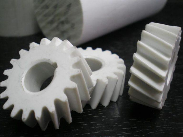 Преимущества пластиковых деталей